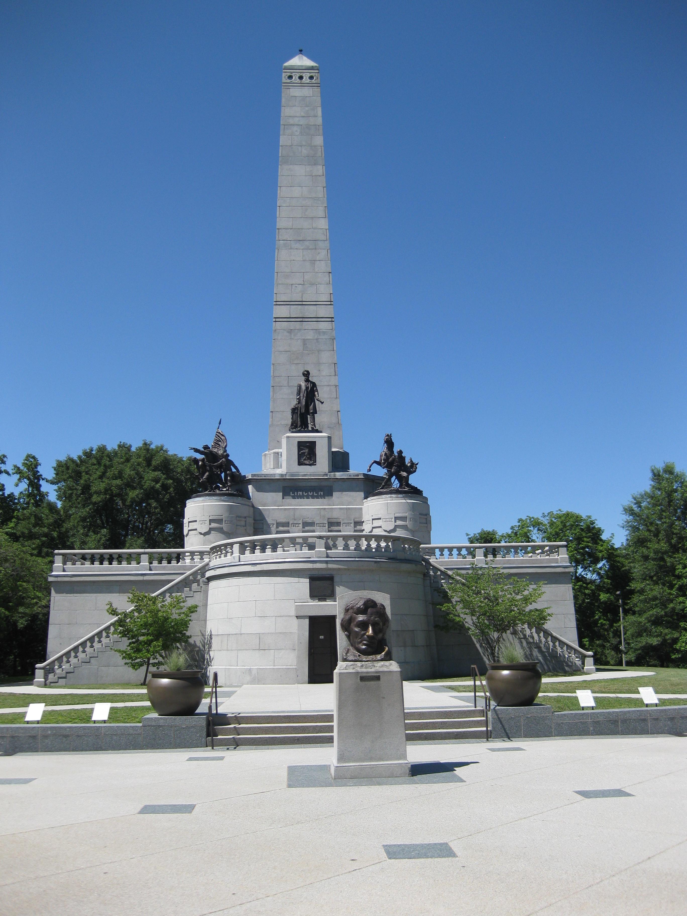 President Abraham Lincoln S Grave Springfield Illinois