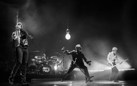 u2-the-joshua-tree-rose-bowl_visit-pasadena_0002_u2_v4-credit-sam-jones