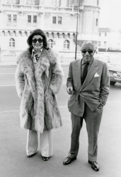 Image result for JACKIE O ARISTOTLE ONASSIS IMAGES